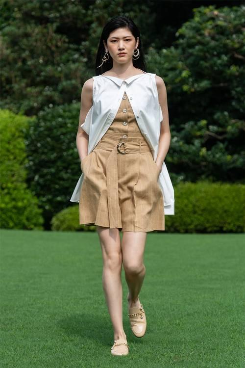 Các thương hiệu thời trang đang chạy đua với đích đến là mùa Xuân 2021 - 5