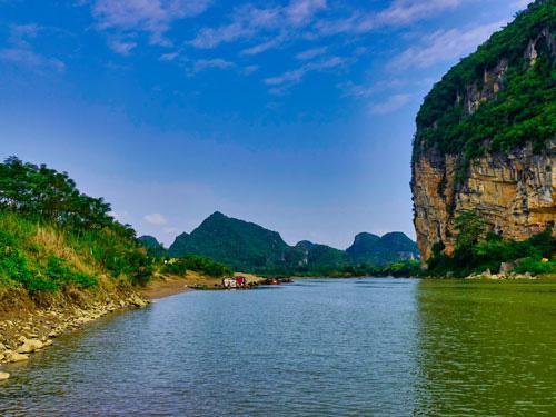 Đóng thuyền xuôi sông Mã - 1