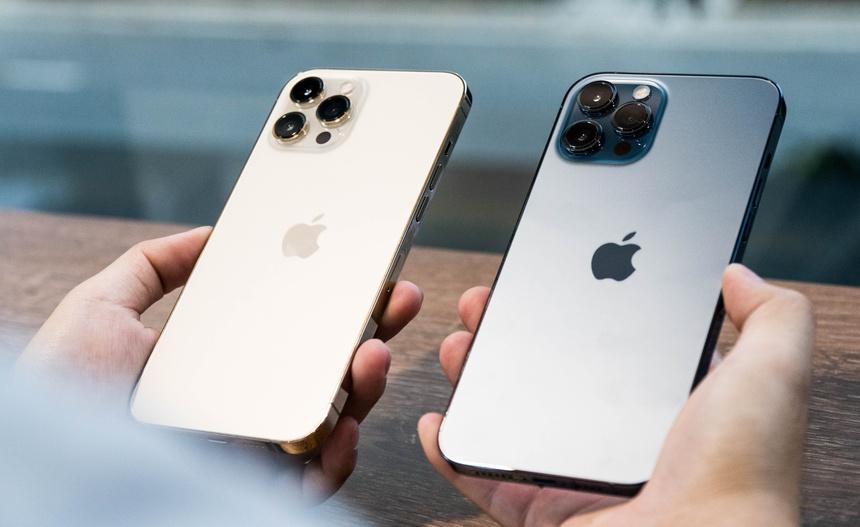 """Đi mua iPhone 12 vì sao nên """"dẹp ngay"""" hàng xách tay để mua ngay chính hãng? - 3"""