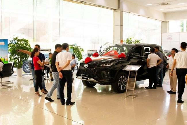 Nóng tuần qua: Sắp hết ưu đãi phí trước bạ, ôtô giảm đến gần 200 triệu/chiếc - 1