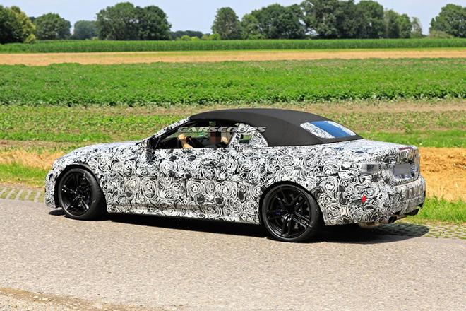 BMW M4 Convertible xuất hiện trên phố trong lớp ngụy trang - 1