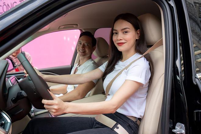 Ca sĩ Hồ Ngọc Hà mạnh tay tậu liền lúc 4 xe ô tô VinFast - 6