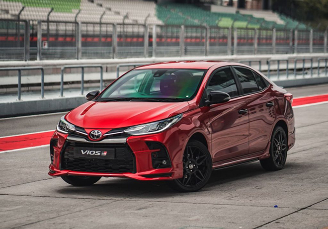 Cận cảnh Toyota Vios GR-S cực ngầu, mạnh và cá tính hơn