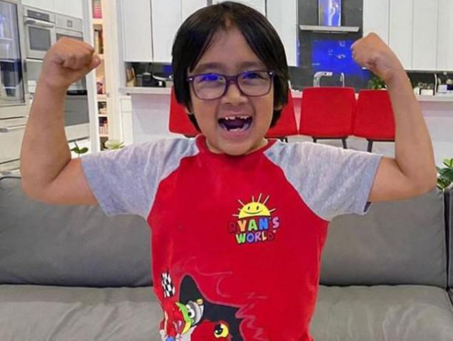 Cậu bé 9 tuổi kiếm 35 triệu USD/năm, dẫn đầu Top 10 YouTuber năm 2020 - 11