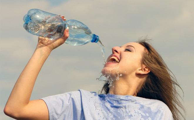 Uống 1 cốc nước khi bụng đói có 4 lợi ích này, nhưng nhất định cần tránh 3 loại nước - 3