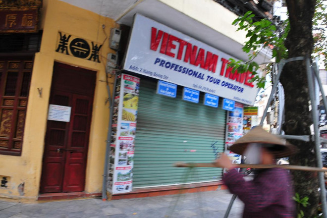 Kinh doanh ảm đạm, hàng loạt cửa hàng khu kinh doanh đắt đỏ bậc nhất Thủ đô đóng cửa, treo biển cho thuê - 11
