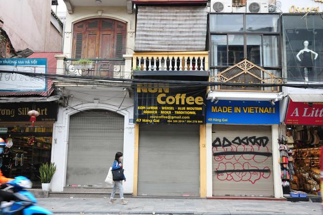 Kinh doanh ảm đạm, hàng loạt cửa hàng khu kinh doanh đắt đỏ bậc nhất Thủ đô đóng cửa, treo biển cho thuê - 9