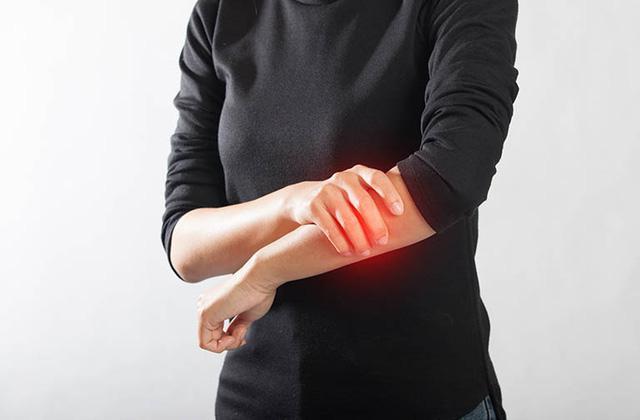 Nồi nước thảo dược rẻ tiền chữa chứng đau nhức xương khớp khi trái gió trở trời rất hiệu quả - 1