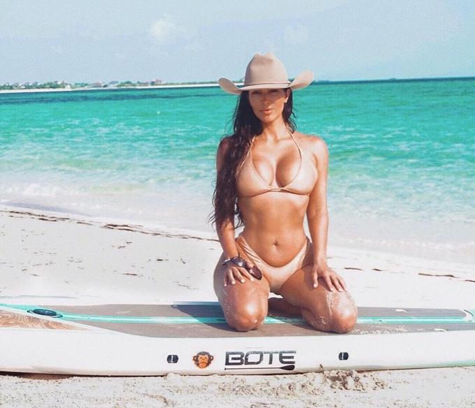"""Giật mình thon thót vì bộ bikini đặc biệt tôn hình thể """"bom di động"""" của cô gái đẹp - hình ảnh 7"""
