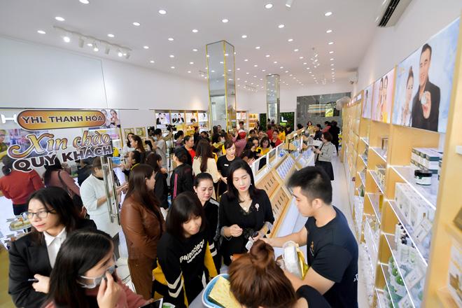 CEO Hằng Lê khai trương showroom YHL thứ 11 tại Thanh Hoá - 6