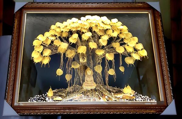 Lấy lá cây này xếp chồng lên nhau, bán giá hàng nghìn đô một sản phẩm - 6