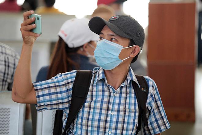 """Phố phường """"ngộp thở"""" chiều cuối năm 2020, người Sài Gòn hãi hùng """"bò"""" trên đường - hình ảnh 11"""