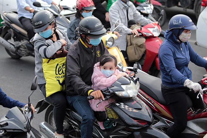 """Phố phường """"ngộp thở"""" chiều cuối năm 2020, người Sài Gòn hãi hùng """"bò"""" trên đường - hình ảnh 5"""