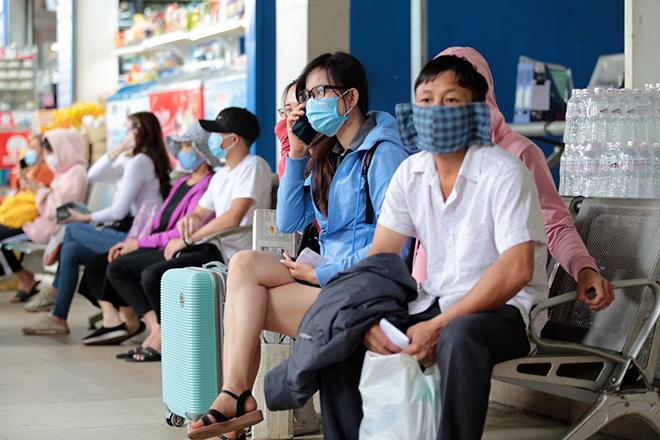 """Phố phường """"ngộp thở"""" chiều cuối năm 2020, người Sài Gòn hãi hùng """"bò"""" trên đường - hình ảnh 8"""