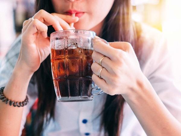 Uống nước khi thức dậy nhiều lợi ích với sức khỏe nhưng không phải loại nước nào cũng tốt - 4