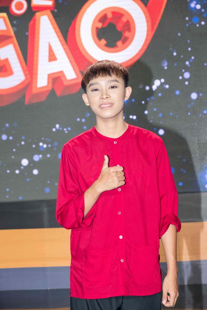 Cùng nổi từ Vietnam Idol Kids 2016, Hồ Văn Cường gây tranh cãi, Á quân Gia khiêm giờ ra sao? - 3
