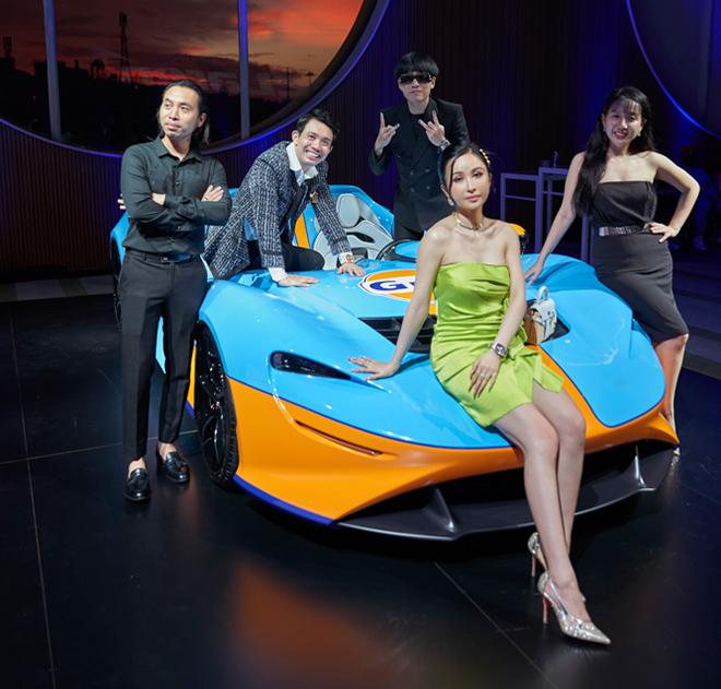 Vợ chồng doanh nhân Minh Nhựa đọ dáng bên siêu xe triệu đô - 1