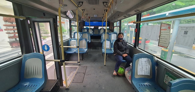 Bất ngờ hình ảnh bến xe khách ở Hà Nội sau khi vận tải hành khách được mở lại - 7